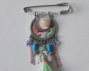 Boho cardigan clasp, Ibiza tassel pin