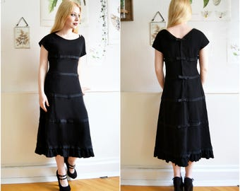 """Vintage dress """"LILY"""" - Gothic, 40s"""