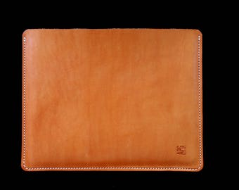 Protective case for iPad. Leather iPad cover. Leather iPad sleeve. iPad case. Tablet sleeve. Protective Tablet sleeve.