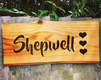 Wooden sign (1 word) | Rustic custom made wooden sign using wood burning (pyrography) technique to engrave letters/images