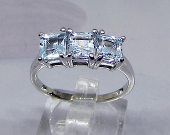 Woman silver ring and 3 square Blue Topaz size 60