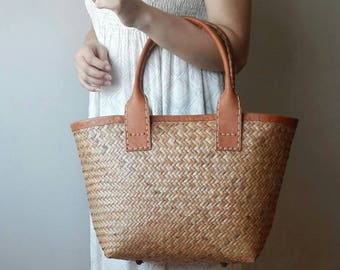 Rattan bag genuine leather handles. Basket bag. Shopping bag. Market bag. Straw bag. Picnic bag. Summer bag. Beach bag. Handwoven wicker bag