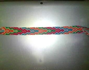 Friendship Bracelet arrow 8 colors