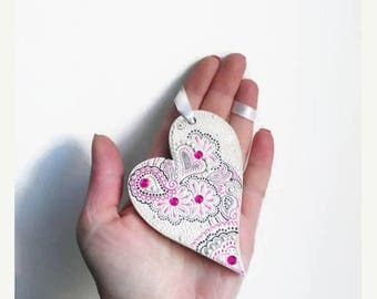 ON SALE Christmas in july Custom Heart Personalized Love Heart Wooden Heart Gift for Girl Valentine Decoration Hanging decoration Mehndi Hen