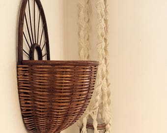 Vintage wall basket / hanging wall basket / hanging planter / basket planter