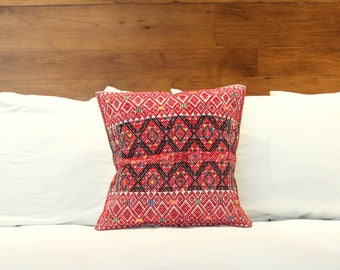 Lara Pillow Case - Red