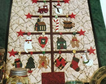 Mum's The Word Vintage Trim-A-Tree quilting pattern
