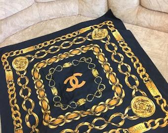 CHANEL 31 Rue Cambon Gold Medallion Chain Link Womens Scarf Paris Silk Shawl AUTHENTIC