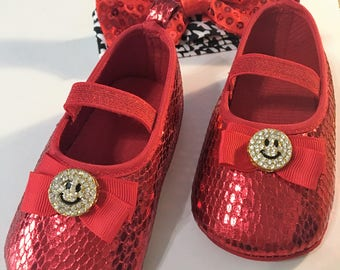 Happy face baby shoes, Baby red shoes, Girl red shoes, Baby christmas shoes, Baby birthday shoes, fourth of july shoes,