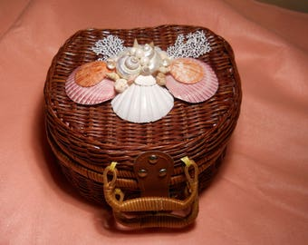 Shell Embellished Vintage Wicker Basket Purse