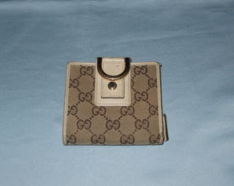 Authentic vintage Gucci wallet! Fabric and genuine leather!