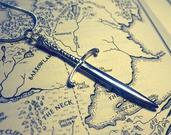 Jon Snow's sword, Longclaw Pendant