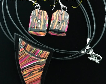 Handcrafted Abstract Pendant  Nedklaceand Earring Design