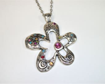 Flower Necklace, Flower Pendant Necklace, Flower Power Necklace, Flower Jewelry, Hippie Jewelry, Hippie Necklace, Rhinestone Necklace, Chain