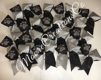 Paw cheer bow