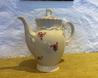 Vintage German porcelain teapot teapot coffee pot can roses decor