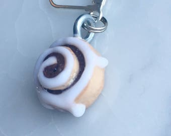 Cinnamon Roll Stitch Markers (set of 2) - Mini Food Stitchmarkers - Polymer Clay charm progress keepers - Cinnamon Bun Earrings