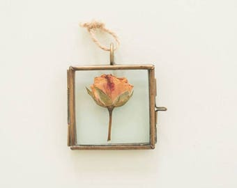 Pressed Flower, Dried flower in tiny metal frame