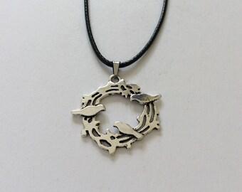 Bird nest necklace / bird jewellery / animal jewellery / animal lover gift