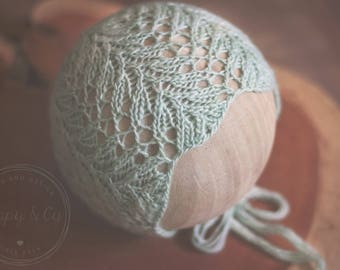 Violet Newborn Bonnet Knitting Pattern, Knit Prop Pattern, Knitting Photography Prop Pattern, Knit Bonnet Pattern, Newborn Bonnet