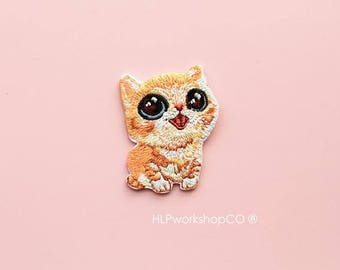 BABY KITTY -- Handmade Embroidered Patch Brooches Pins/Fabric Badge/Iron-On Patches/Pet/Animal/Cutie/Cat/Meow