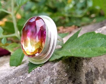 Watermelon tourmaline activates stagnant energy and releases blocked energy.