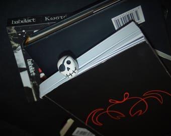 Pirate skull bookmark