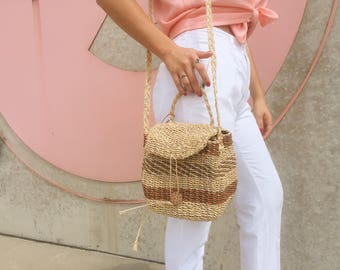Vintage Wicker Bucket Bag With Braided Shoulder Strap | 90s Straw Weaved Purse | Rattan Seagrass woven beach bag | summer straw bag