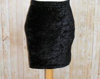 Size 8 vintage 80s bodycon mini skirt elastic waist black crushed velvet (HK37)