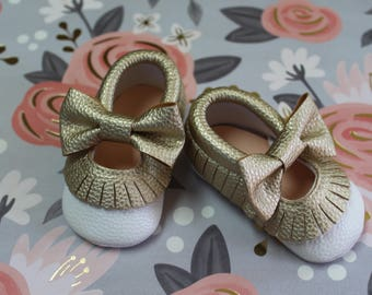 Gold bow moccasin,baby moccasin, white moccasin, girl moccasin,bohemian baby shoes