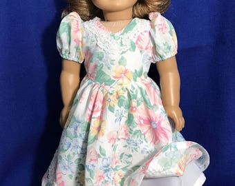 Fresh Spring flowered dress for your doll.