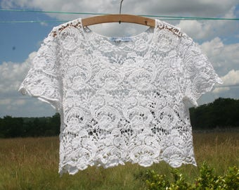 Top, blouse lace Agatha Velmont woman white floral.  Cotton crop Top. Size 38/40 M.  French vintage.