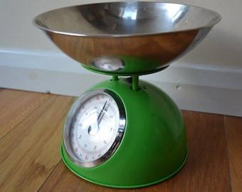 Retro Green Kitchen Scales