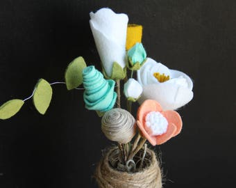 Maggie Bouquet - Handmade Felt Flower Bouquet - Spring/Summer Bouquet - Nursery Decor