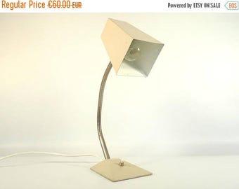 ON SALE Vintage Desk Lamp / Adjustable Goosneck Lamp / Vintage Table Lamp / 70s Lamp / Vintage Table Light / Pink Lamp / Space Age