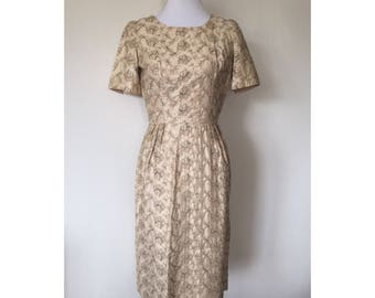 1960's Embroidered Beige Short Sleeved Wiggle Dress // Size Small