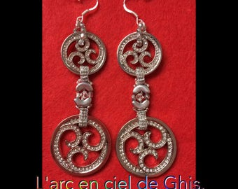 Long earrings Arabesque Rhodium plate.
