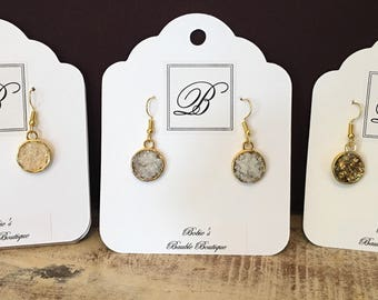 Gold Pendant Earring with Glitter