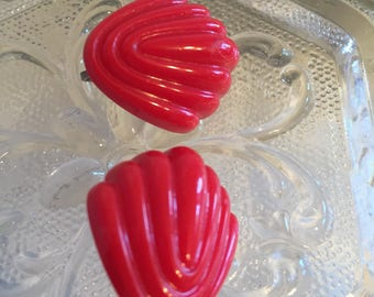 Large Red Shell Shaped Plastic(?) Clipon Earrings