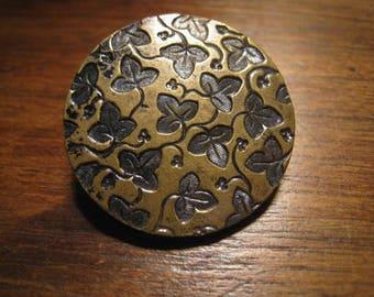 antique button metal doré LIERE 27 mm A P PARIS