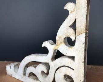 NEW: Vintage Farmhouse Corbel