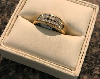 10 Kt Gold Mens Ring with 1/5 cttw Wt Diamond Accent Size 10