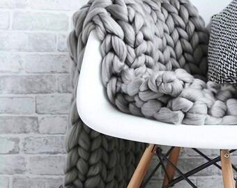 "30"" x 40"" chunky knit blanket/throw"