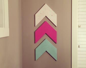 Set of 3 Wooden Chevrons Arrows, Chevron Wall Hanger, Wall Art Decor, Nursery Decor