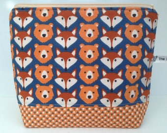 Large makeup bag, toiletries bag, washbag, large zippered pouch, fox, bear, foxes, bears.