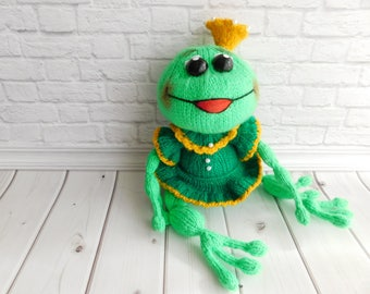 Frog stuffed animal, amigurumi frog, knitted animal, hand knit frog, cute animals gift, crochet toy.