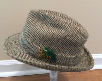 Vintage Men's Tweed Fedora Hat with a Distinctive Feather Detail, Size 7 1/8