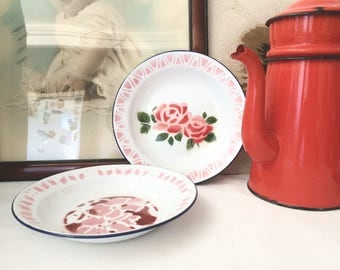 Set of 2 enamel made in China plates.