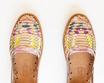 Vintage - Daisy Huarache Sandals