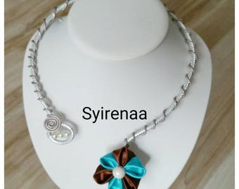 Transparent glass with its Brown and turquoise kanzashi Flower necklace